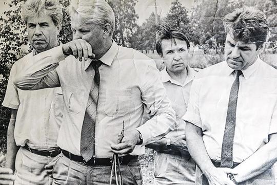 «Когда Борис Ельцин призвал провести всероссийскую забастовку, выйти, вывести людей на улицы, остановить предприятия, многие города купились на это — и много потеряли»