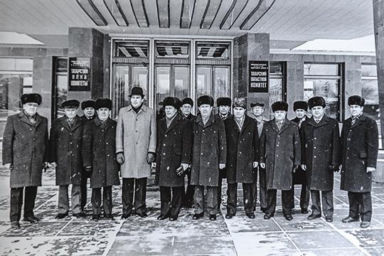 «Тогда вышло постановление ЦК КПСС о разделении районов, из пяти стало семь. Образовались Ново-Савиновский и Вахитовский районы»