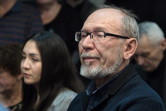 Дамир Исхаков: «Институт истории надо ввести в рамки академии наук, чтобы существовала единая целостная академическая система. Наилучший способ — объединить с кем-то, кто есть. Самый безболезненный способ»