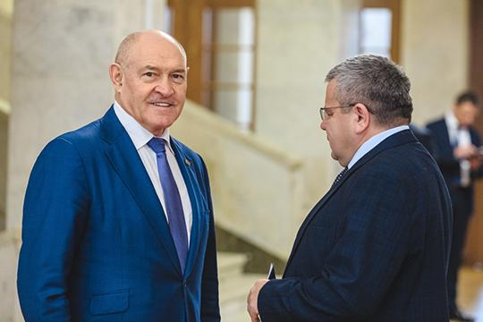 Написал заявление в прокуратуру и руководитель татарстанской республиканской организации Всероссийского электропрофсоюза Халим Ахунзянов (слева)
