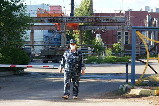 Задолженность по налогам составляет около 205 млн рублей, по газу — 12,5 млн без учета мая. «Счета у предприятия арестованы»