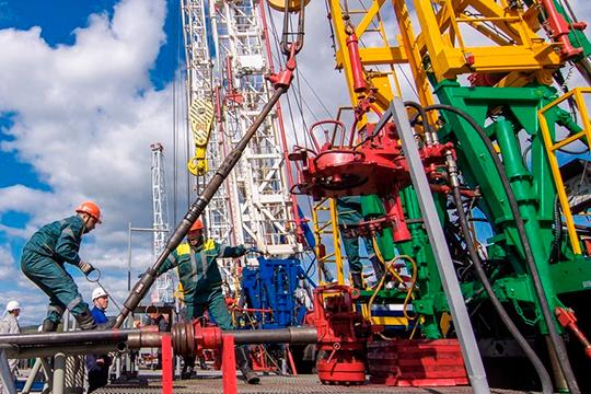 В апреле произошло сокращение индекса производства вдобыче полезных ископаемых, аименно сырой нефти иприродного газа(падение вапреле составило 14,5% каналогичному месяцу 2019 года)