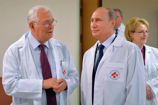 «На совещании в Санкт-Петербурге Путин сказал, что он опасается встречи со мной, потому что я ему чуть ли не плешь проел на счет финансирования здравоохранения. Он это понимает»