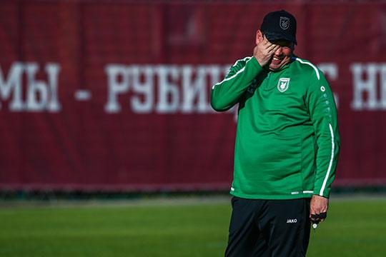 «С новым тренером всё стало по-другому. У него другое видение футбола, атмосферы внутри коллектива. Для него это очень важно. Поменялось все кардинально»