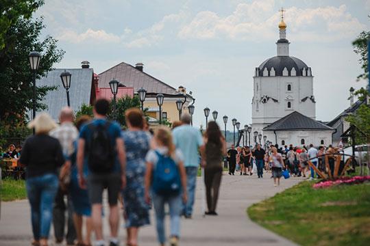 Артем Силкин рассказал, что в Свияжске уже есть туристы — за прошлые выходные полуостров посетили несколько сотен человек
