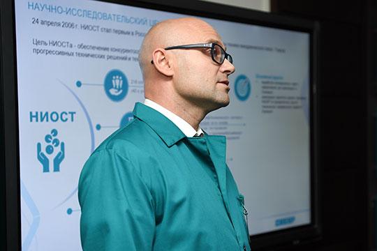 Науку Казаков не бросил до сих пор: он автор почти ста научных работ, 8 патентов