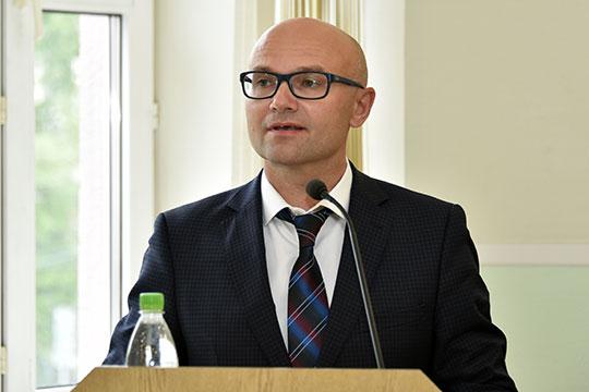 Сенсационная кадровая новость пришла из КХТИ: ректором — пока с приставкой и. о. — стал Юрий Казаков
