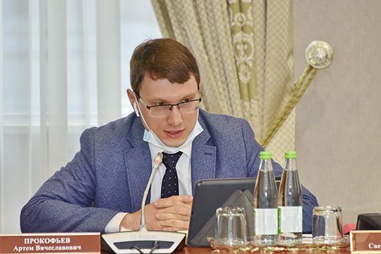 Артем Прокофьевусомнился вбезопасности детей, сучетом того, что 1июля школы превратятся визбирательные участки