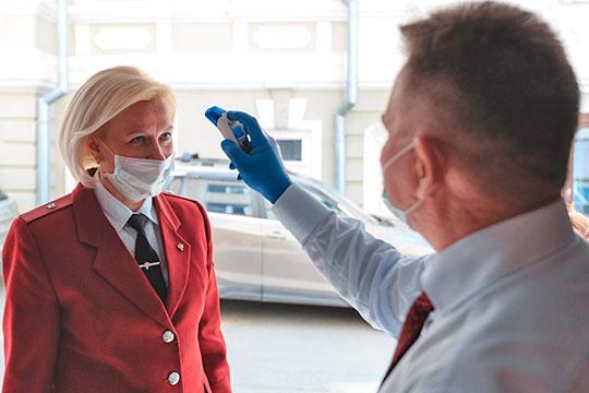«Даже если мы маски снимем, к примеру, в августе, а в сентябре будем видеть и выделять снова коронавирус от пациентов с ОРВИ, то опять наденем маски»
