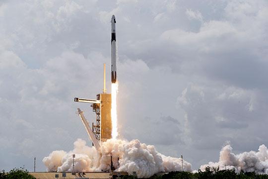 «Что сделал SpaceX по части конкуренции? Они уже практически вытеснили Российскую Федерацию с рынка запусков тяжелых геостационарных спутников»