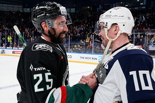 Самые тяжелые переговоры были с Зариповым (слева). Капитан «Ак Барса» в последние два сезона получал по 130 млн рублей в год