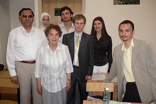 Джамиль Зайнуллин со студентами ИВ КГУ, 2005 г.