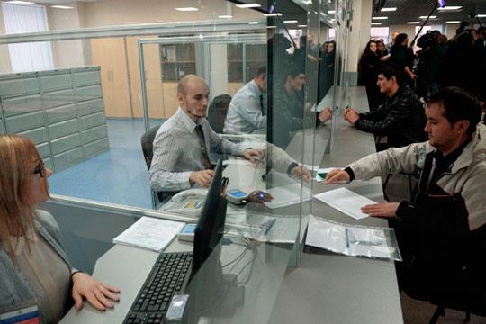 Большинство мигрантов в Татарстане работают по патентам — это специальное разрешение на работу, которое нужно ежемесячно продлевать