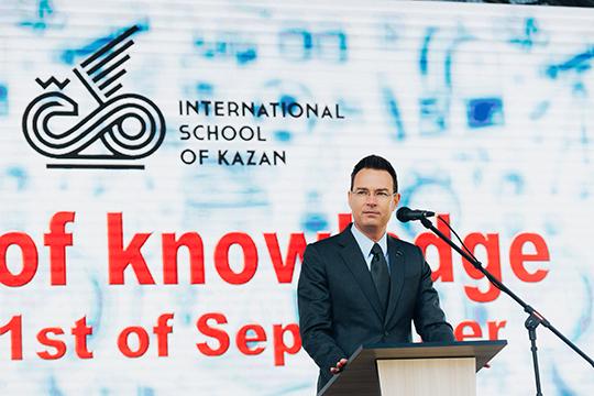 Руководитель средней школыБенкт Розберг(Швеция),своим вызовом назвал решение пройти дистанцию марафона, невыходя изквартиры