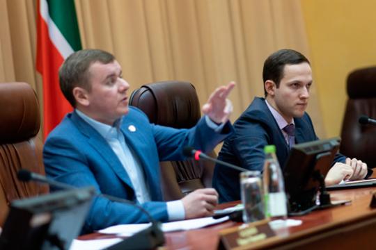 «Мои субсидии» — суперсервис, который создается при активном участии министра сельского хозяйства Марата Зяббарова (слева)»