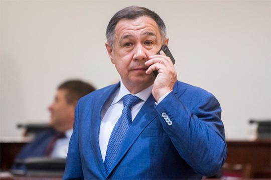 «Знаете, в каком районе самый высокий уровень пользования порталом госуслуг? В Сабинском районе. Это объясняется позицией главы. Раис Нургалеевич [Минниханов] (на фото) этой темой очень интересуется»