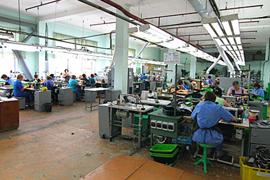 В 2000-е годы фабрика отшивала обувь не только в Казани, но и по собственному заказу — в Китае и Турции, а также в других регионах России — Удмуртии, Ростове-на Дону