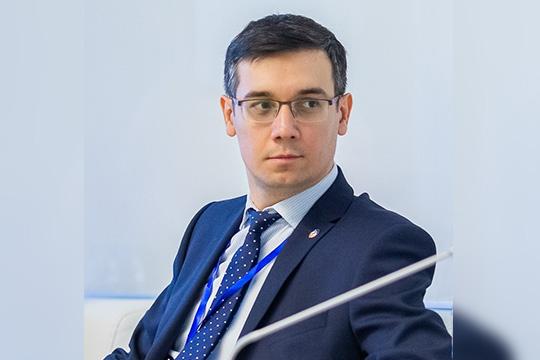 Ринат Миначев: «Банк запустил онлайн-факторинг слимитом до100 миллионов рублей для представителей малого исреднего бизнеса идо300млн рублей для компаний крупного корпоративного бизнеса»