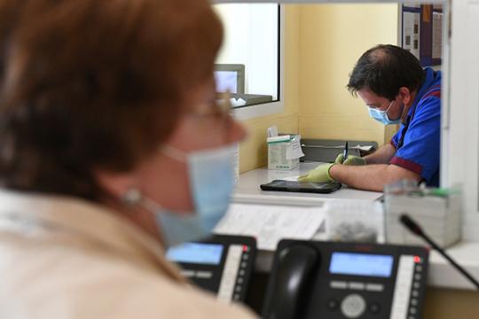 Надо оплачивать медицинские организации по смете, чтобы не было такого: раз нет больного, значит, будем сейчас сокращать койки и штат