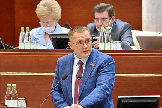 Александр Тыгин поднял вопрос о проблемах при расселении жильцов из аварийных домов в небольших населенных пунктах