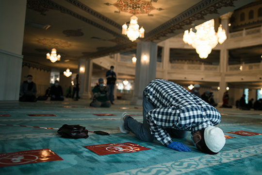 В уставе ДУМ РТ в качества вероучительного ориентира прописано следование мазхабу Абу-Ханифы, который принято считать фундаментом т. н. традиционного ислама татар