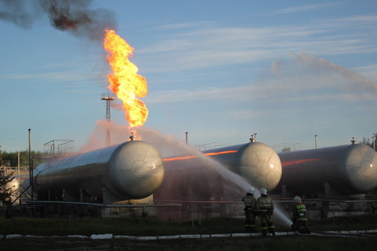 «На данный момент проводится перекачка газа в резервную емкость. Сейчас персоналом объекта разрабатывается технологическая схема отглушки манометрических сборов»