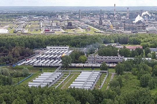 Всего в хранилище у «Газпрома сжиженного газа» 24 цистерны. Все они расположены в три ряда по 8 резервуаров