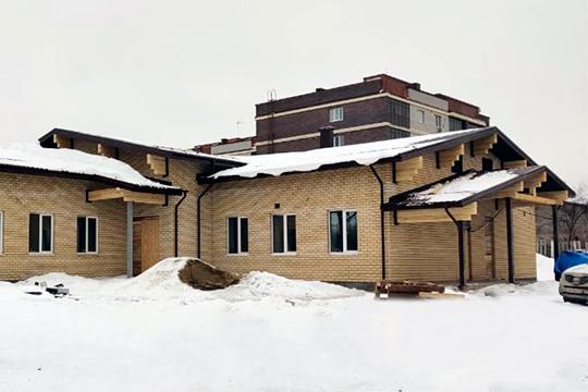 «В Константиновке строится офис врачей общей практики и участковых педиатров, что в целом поможет разгрузить существующие учреждения»