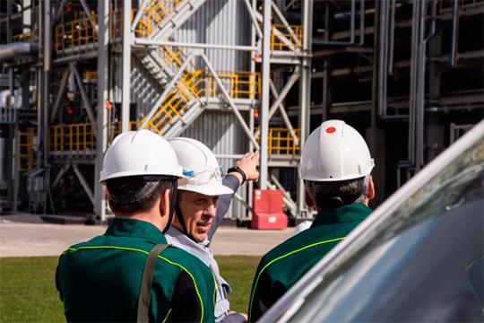 «Сегодня на первом плане — безопасность людей, поддержка экономики и ее отраслей, занятость населения»