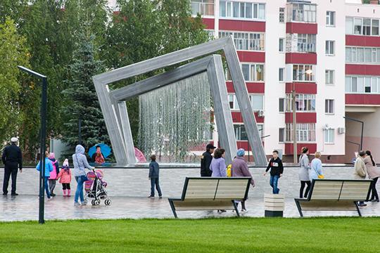 В заслугу Баландину ставят изменение нормативов финансирования объектов благоустройства — теперь Нижнекамску выделяют деньги как городскому округу