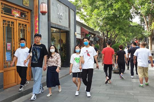 За последние пять суток в Пекине выявляется по несколько десятков случаев заражения в день. Только накануне выявлено 44 случая