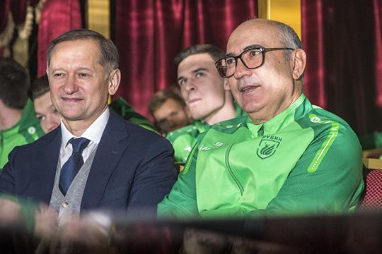 Клуб за три года под управлением новых владельцев мечется из стороны в сторону: то возвращает Курбана Бердыева и обещает серьёзное усиление под еврокубки, то резко сокращает расходы