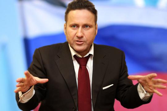 Евгений Минченкосчитает, что статья написана «Достаточно жестко… Без попытки понравиться иприсоединиться кзападным стереотипам массового сознания»