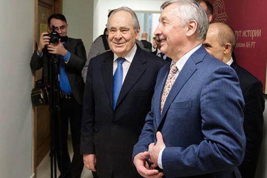 Рафаэль Хакимов (справа) станет научным руководителем Института истории им. Марджани