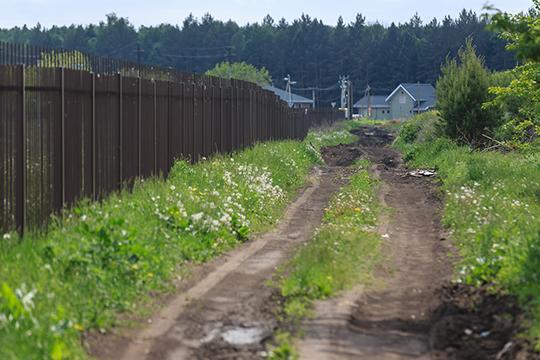 Деревня Кзыл-Иль в 30 километрах от Казани — небольшая, 74 дома. Это всего две улицы: Дачная и Зеленая