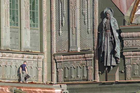 Строительство храма в Одинцовском районе под кураторством Шойгу началось в сентябре 2018 года, и финансировалось, как это неоднократно заявлялось, на народные пожертвования
