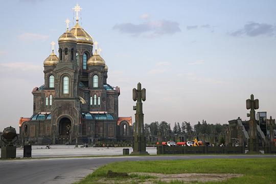 Храм Воскресения Христова — главный и первый в истории православный храм вооруженных сил России