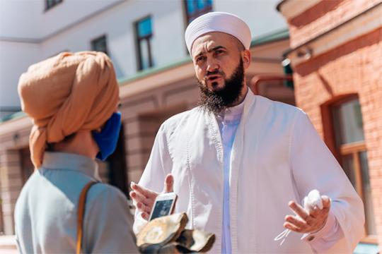 Камиль Самигуллин: «желаю, чтобы Всевышний принял намерения тех, кто искренне планировал совершить хадж в этом году. Впереди — великий праздник Курбан-байрам и у них есть возможность совершить ради довольства Аллаха курбан»