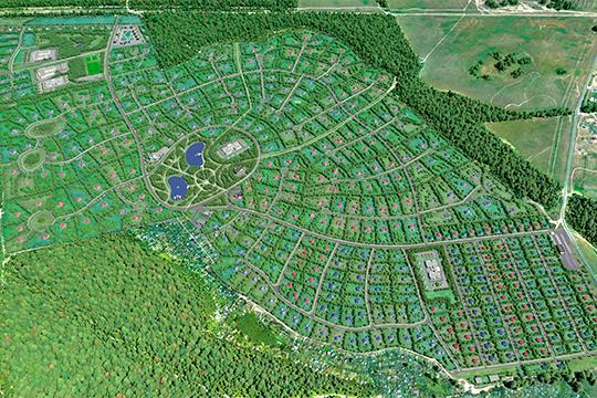 Ставку изначально сделали на элитную застройку — площадь участков от гектара и более, а построенные на них дома с благоустройством, ремонтом и мебелью обошлись бы покупателям в 100-150 млн рублей в текущих ценах