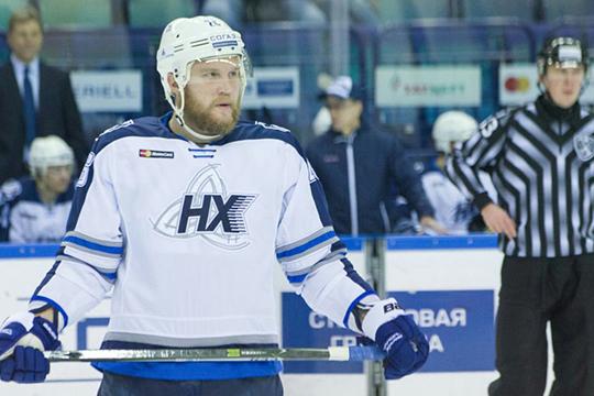 В шаге от того, чтобы стать подсудимым, побывал местный звездный хоккеист, защитник, много лет игравший за «Нефтехимик», Андрей Сергеев