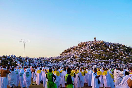 Данное решение не просто возмутительно в моральном плане, но еще и критично для целого ряда верующих — тех, для кого поездка в хадж в этом году являлась последним шансом исполнить свой религиозный долг перед Богом