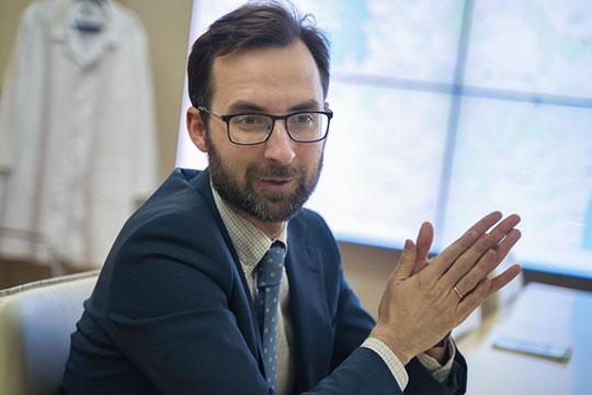 Владимир Жаворонков: «На данный момент мы отходим от лечения исключительно ковида или не ковида. Мы сосредоточены на лечении тяжелых пациентов»