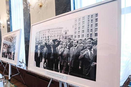 «Победа Бориса Ельцина и его окружения после расстрела Белого дома явилась причиной закрепления в Конституции РФ широчайших полномочий президента России»