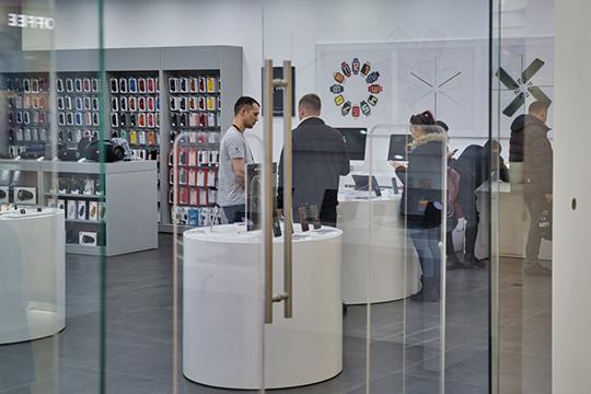 Роста цен на высокотехнологичные бренды — такие, как Apple и Samsung, в новом сезоне также не ожидается