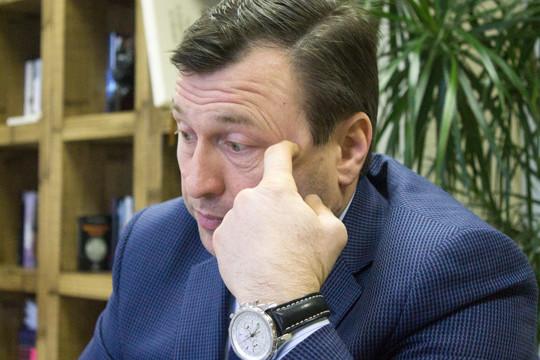 В начале 2017 года случился настоящий скандал, когда «РуМедиа» купил три частоты в Казани у Зуфара Ганеева и Марата Ибляминова (на фото), после чего на месте пропагандирующего татарскую классику «Тәртип FM» зазвучала станция Business FM