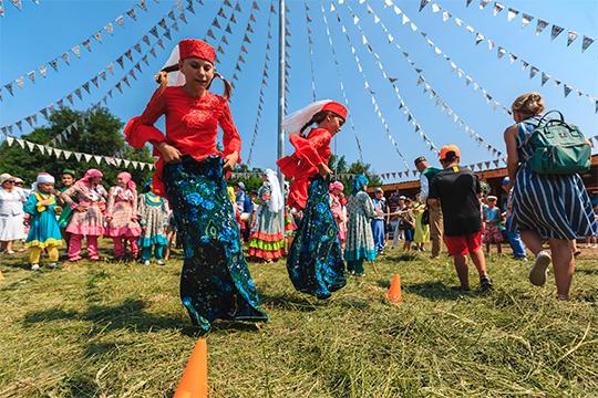 Рустам Минниханов: «Наиболее правильный Сабантуй — это деревенский. Он истинный праздник, со всеми родственниками, с тальянкой, плясками