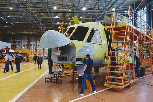 Поступления от производства и продажи вертолетов упали на 6,05 млрд до 11,3 млрд рублей
