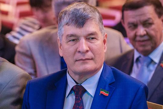 РифатаГанибаева подозревают в мошенничестве. Расследование ведет 4 отдел следственного комитета по РТ