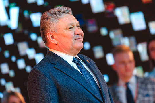 Вице-премьер — министр образования и науки РТ Рафис Бурганов заработал с супругой на двоих 14,3 млн рублей, из которых скромные 5,4 млн рублей получил сам министр