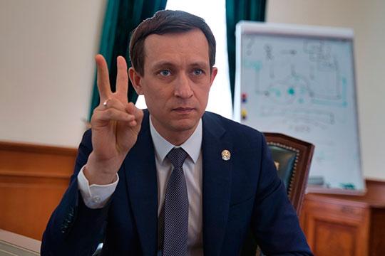 У перебравшегося в сентябре прошлого года из Альметьевска главы минцифры РТ Айрата Хайруллина есть только декларация за 2019 год. В ней указан доход в 27,4 млн рублей